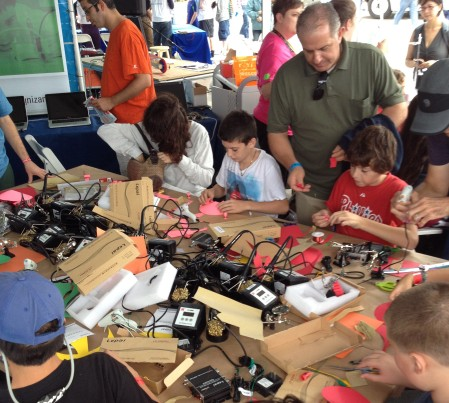 Kids tinker away at the 2013 World Maker Faire.