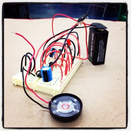 With a little help from a colleague, Agency by Design researcher Jessica Ross was empowered to use some basic electronic materials to power an LED light and a small speaker with a 9V battery.